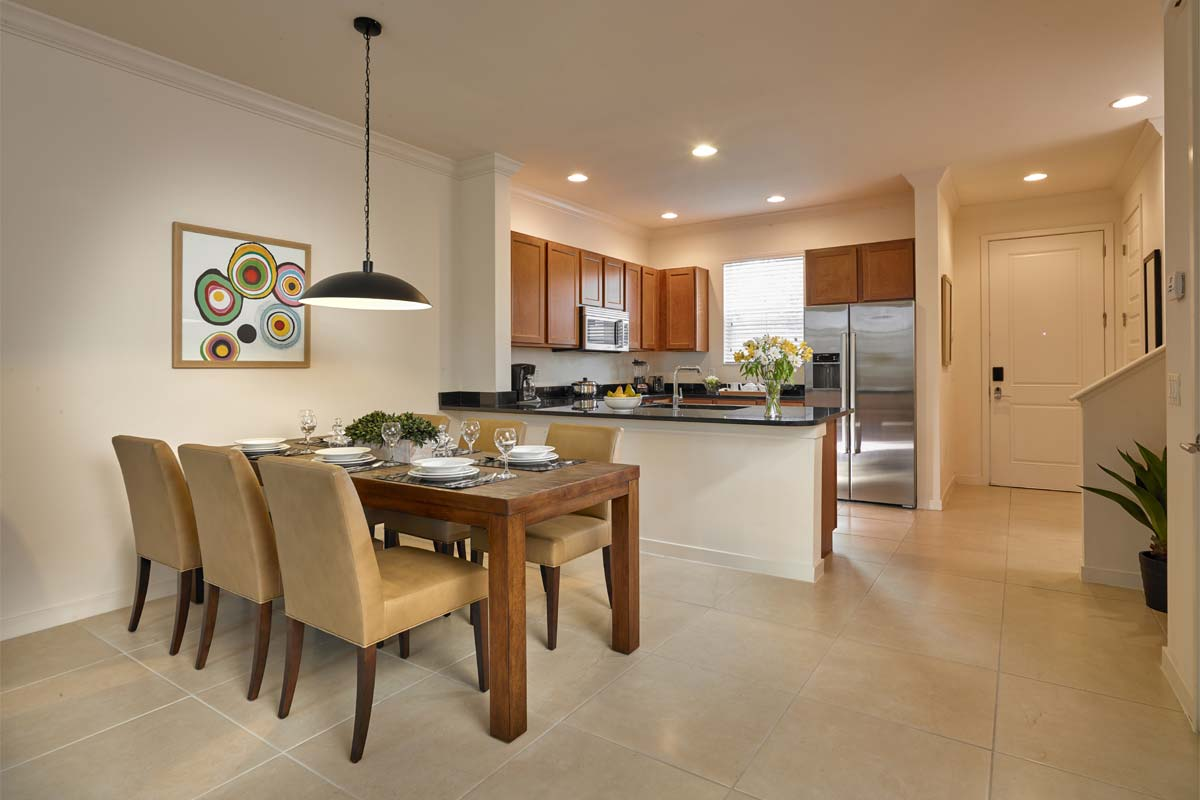 CLC Regal Oaks Orlando kitchen and dining area